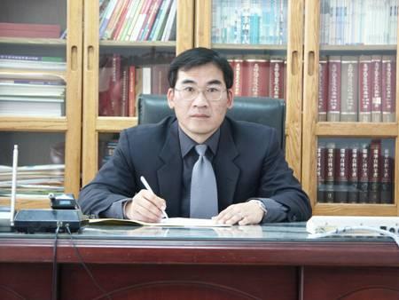 王春堎 校長